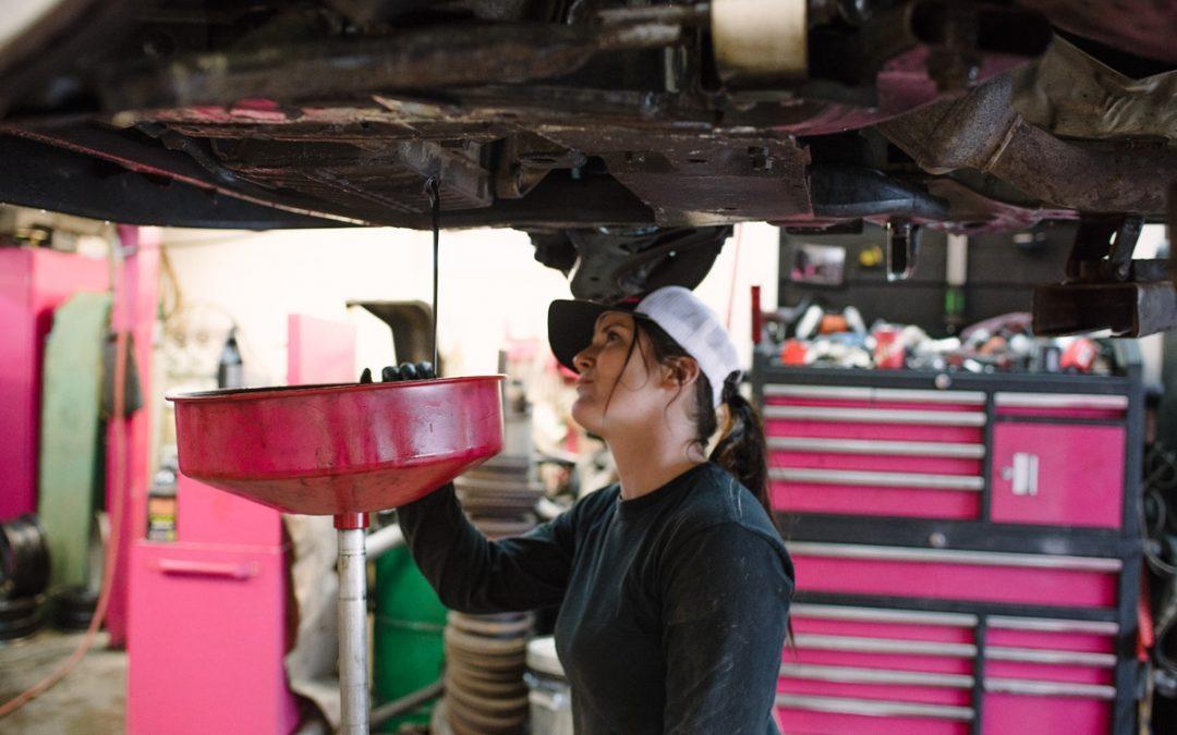 YÉ! Un garage de filles pour des filles! – TPL